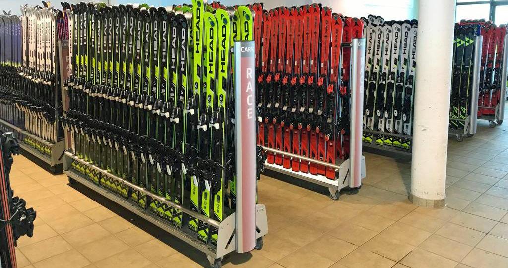 Sporotvní závodní lyže
