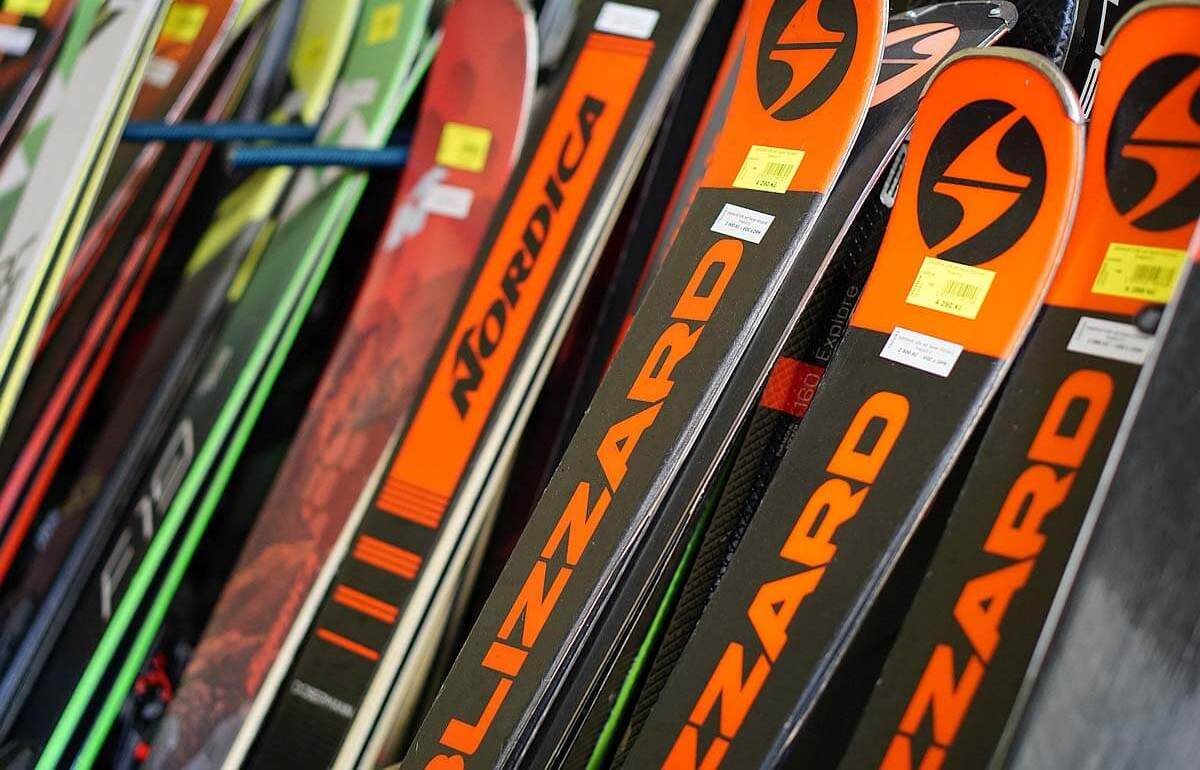 Nové i bazarové sjezdové lyže