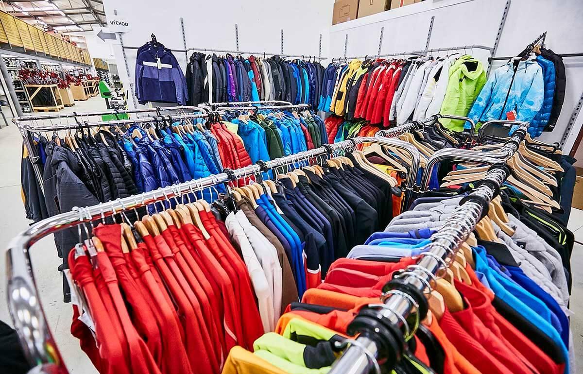 Oblečení na lyže, bundy, kalhoty, funkční prádlo